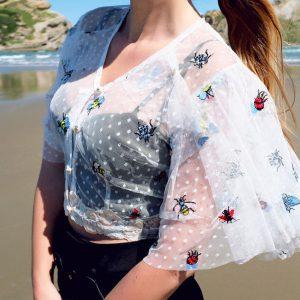 Bluzka w przepiękne botaniczne haftowane owady.