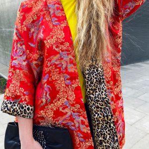 Dwustronny, czerwony płaszcz w złote smoki - Płaszcz Czerwony Smok