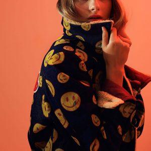 Kurtka z mocnego denimu w żółte buźki uśmiechałki - Kurtka Crazy Smile.