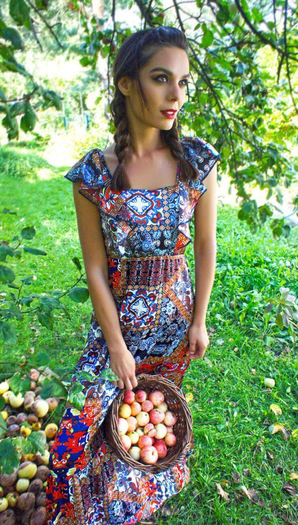 Sukienka w stylu bohemy o wzorze paisly