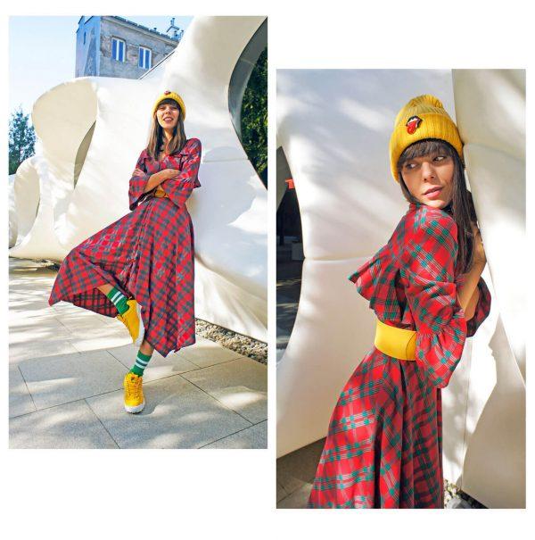 Sukienkowy płaszcz maxi wykonany z ciepłej tkaniny w czerwoną kratę - Płaszcz Krata Czerwona