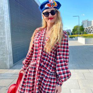 Sukienka maxi z kieszeniami w kolorową kratę