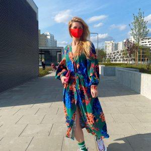 Sukienka maxi z kieszeniami w barwne kwiaty - Sukienka Jasmine