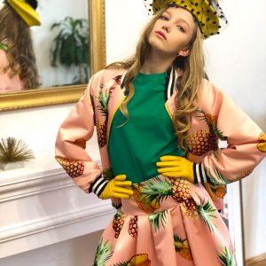 Różowa spódnica w ananasy