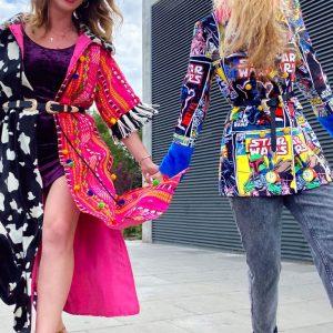 Barwny płaszcz boho z pomponami - Płaszcz Double Boho.