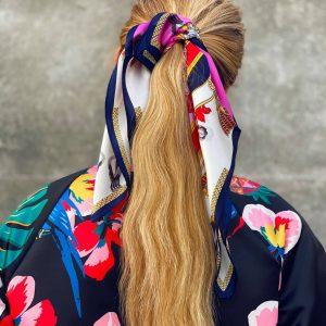 Kurtka z pięknej tkaniny w papugi - Kurtka Papugi i Owoce