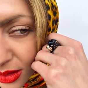 Pierścionek czarna pantera.