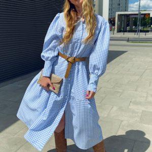 Sukienka w błękitną kratkę