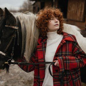 Płaszcz w czerwoną kratę - Płaszcz Krata