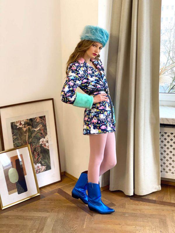 Niebieska czapka z futerka